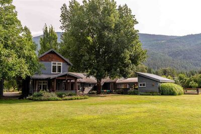Pemberton Meadows House with Acreage for sale:  4 bedroom 2,610 sq.ft. (Listed 2020-08-26)
