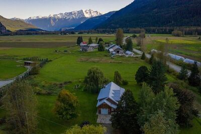 Pemberton Meadows House with Acreage for sale:  3 bedroom 2,122 sq.ft. (Listed 2020-08-26)