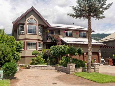 Pemberton House/Single Family for sale:  6 bedroom 3,400 sq.ft. (Listed 2021-04-08)
