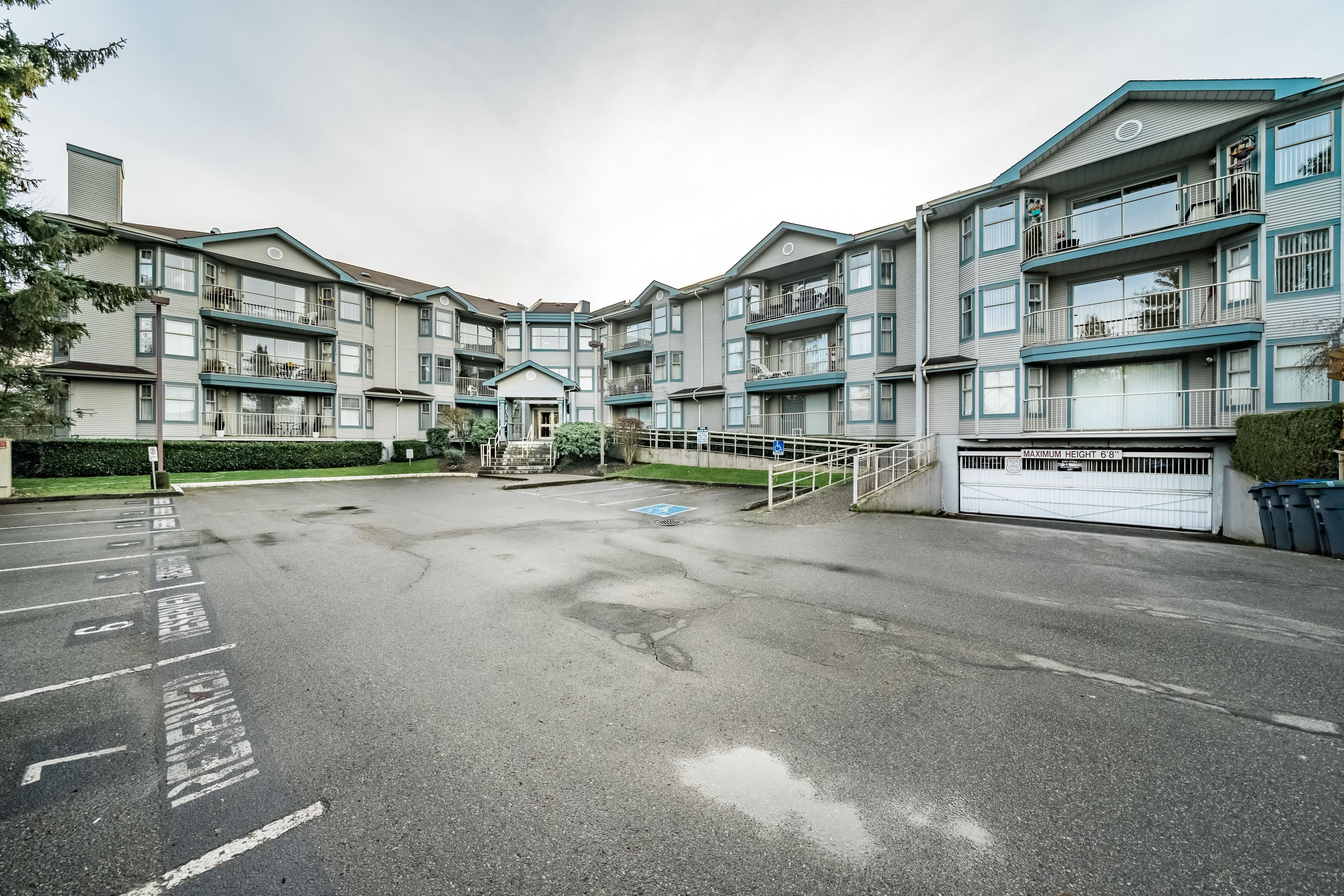 Whalley Condo for sale:  2 bedroom 1,095 sq.ft. (Listed 2019-01-07)