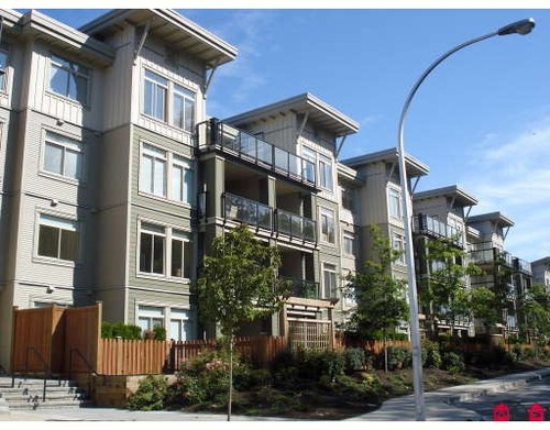 Guildford Condo for sale:  3 bedroom  Stainless Steel Appliances, Granite Countertop, Laminate Floors 1,300 sq.ft. (Listed 2009-08-20)