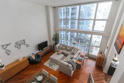 Downtown VW Condo for sale:  1 bedroom 900 sq.ft. (Listed 2019-05-05)