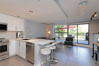 West End VW Condo for sale:  2 bedroom 1,009 sq.ft. (Listed 2019-05-19)