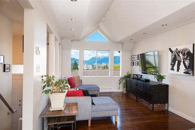 Kitsilano Condo for sale:  2 bedroom 1,146 sq.ft. (Listed 2019-09-14)