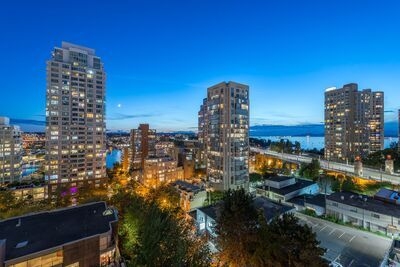 Yaletown Apartment/Condo for sale: Pacific Promenade 2 bedroom 919 sq.ft. (Listed 2020-09-22)
