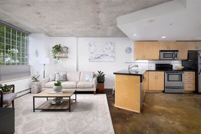 Strathcona Townhouse for sale:  1 bedroom 582 sq.ft. (Listed 2020-11-14)