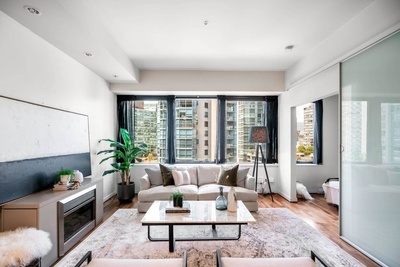 Coal Harbour Apartment/Condo for sale:  1 bedroom  (Listed 2021-07-22)