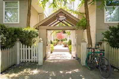 Kitsilano Condo for sale:  2 bedroom 868 sq.ft. (Listed 2018-05-09)