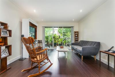Mount Pleasant VE Condo for sale:  2 bedroom 809 sq.ft. (Listed 2018-08-16)