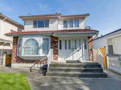 Victoria VE House for sale:  5 bedroom 2,249 sq.ft. (Listed 2018-08-06)