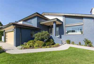 South Granville House for sale:  6 bedroom 4,018 sq.ft. (Listed 2019-10-04)