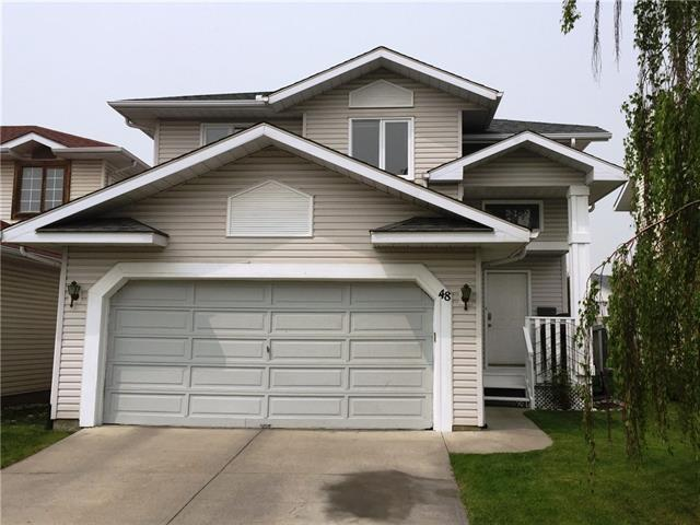 Applewood Park House for sale:  5 bedroom  Tile Backsplash, Laminate Floors 1,749 sq.ft. (Listed 2019-06-03)