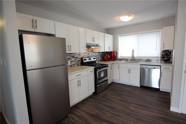 Forest Lawn House for sale:  5 bedroom  Stainless Steel Appliances, Granite Countertop, Tile Backsplash, Laminate Floors 1,110 sq.ft. (Listed 2019-08-24)