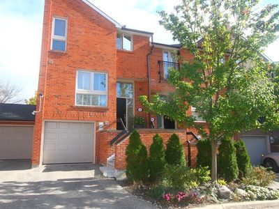 Bedford Park-Nortown House for sale:  3 bedroom  (Listed 2016-10-28)