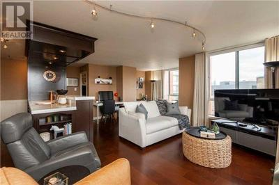 Toronto Condo:  2 bedroom