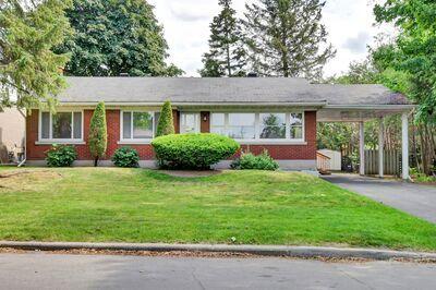 Alta Vista House for sale:  3 bedroom  Hardwood Floors, Plush Carpet  (Listed 2021-06-09)