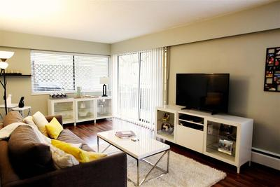 Kitsilano Condo for sale:  1 bedroom 726 sq.ft. (Listed 2017-12-11)