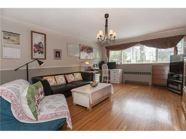 101-3763 Oak st new listing.jpg