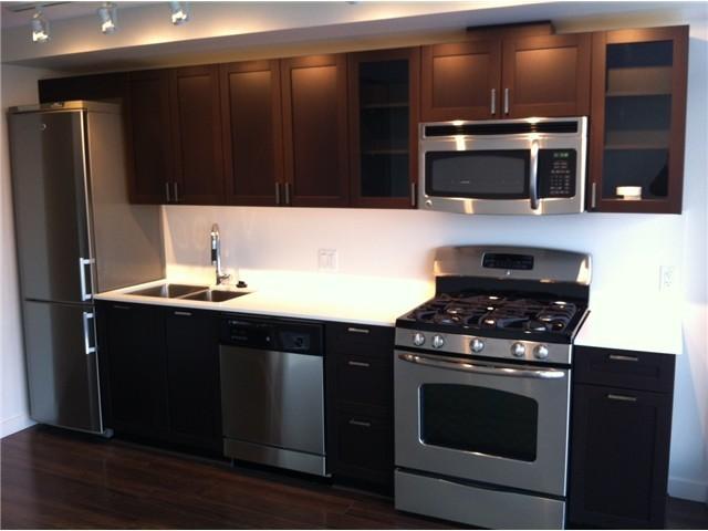 4888 nanaimo St, Vancouver - kitchen