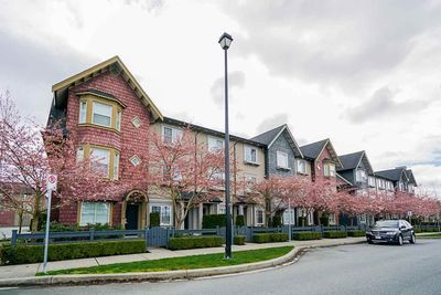 Cloverdale BC Townhouse for sale:  2 bedroom 1,189 sq.ft. (Listed 2020-05-07)