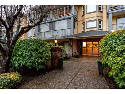 White Rock Condo for sale:  2 bedroom 1,025 sq.ft. (Listed 2020-05-07)