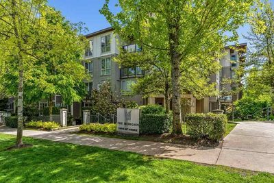 Grandview Surrey Condo for sale:  2 bedroom 1,030 sq.ft. (Listed 2020-05-07)