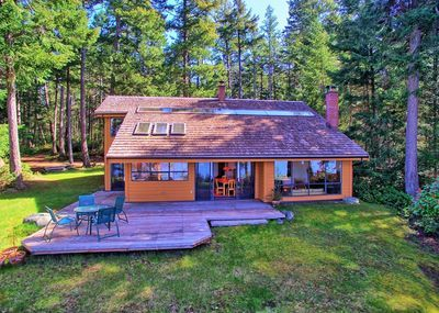 Hornby Island House for sale:  4 bedroom 2 sq.ft. (Listed 2019-02-19)