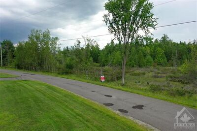 Dunrobin Shores  Land for sale:  Studio  (Listed 2020-08-18)