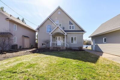 Manotick House:  3 bedroom