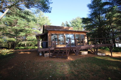 Lake Cecebe 4 Season Cottage : Very Private with 2 bedrooms + Bunkie