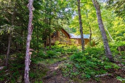 30 Trails End, Magnetawan Ahmic Lake Five Bedroom Cottage