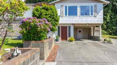 Gibsons & Area House for sale:  4 bedroom 2,191 sq.ft. (Listed 2018-04-25)