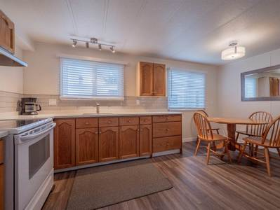 Gibsons & Area Manufactured home for sale:  2 bedroom 816 sq.ft. (Listed 2018-09-18)