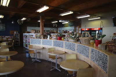 Sechelt District Retail for sale:    (Listed 2015-12-24)