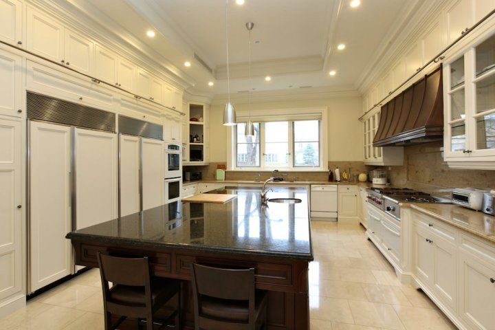 biggest-most-expensive-house in Canada kitchen