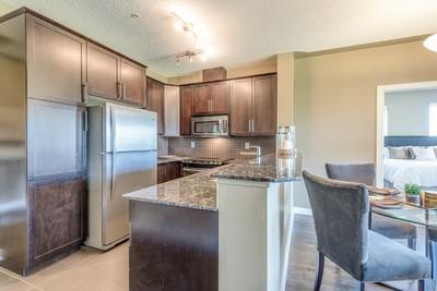 Inglewood Apartment for sale: 2 bedroom + Den