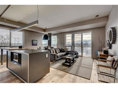 Inglewood Condo for sale: 2 bedroom 987 sq.ft. (Listed 2018-04-24)