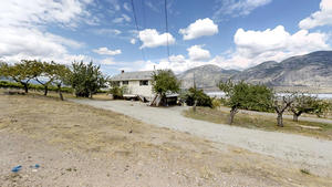 Osoyoos Single Family/Farm for sale:  2 bedroom 894 sq.ft. (Listed 2019-06-24)