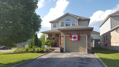Townline Estates House for sale:  3 bedroom 1,403 sq.ft. (Listed 2017-07-02)