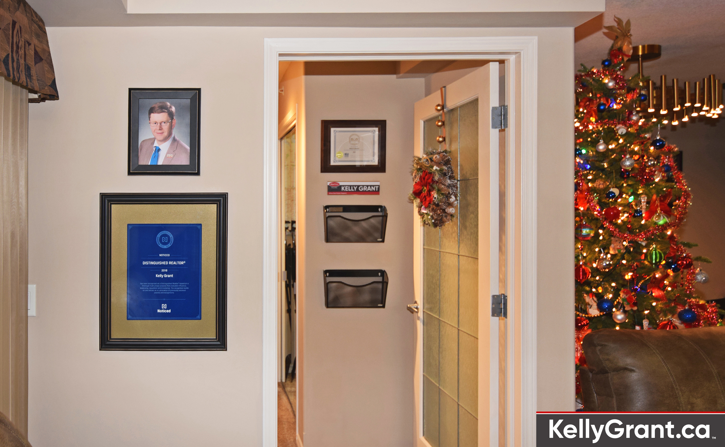 Seasons Greetings from the Office of Kelly Grant at MaxWell POLARIS