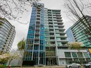 Brighouse Condo for sale:  1 bedroom 570 sq.ft. (Listed 2017-09-18)