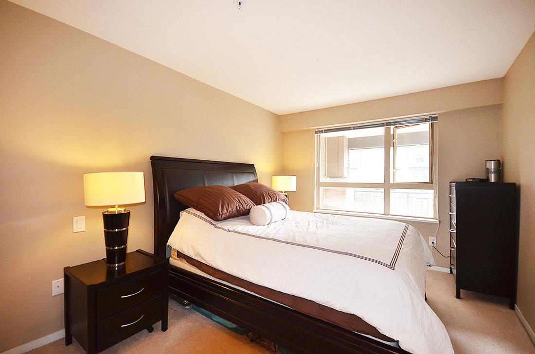 315-700 Klahanie master bedroom