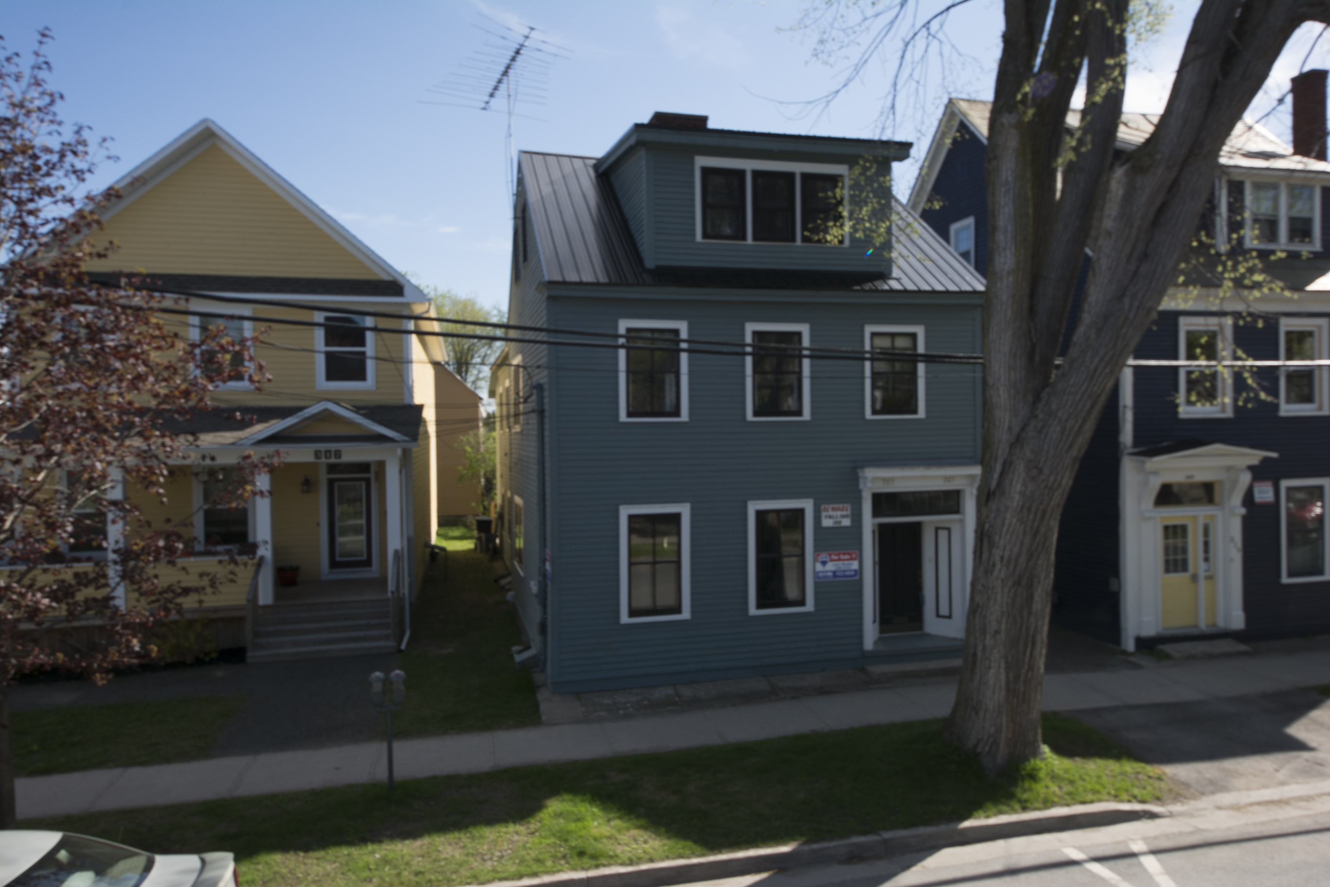 Fredericton Duplex for sale:  5 bedroom  (Listed 2015-02-17)