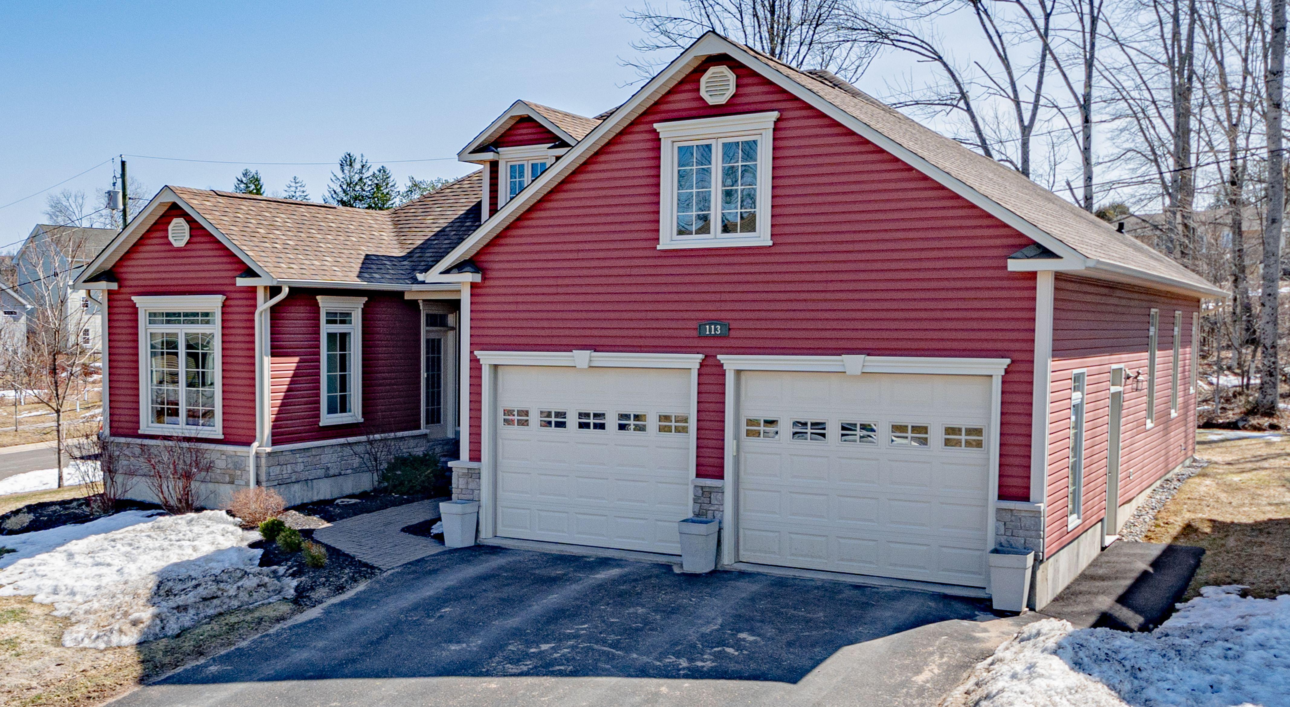 Fredericton House for sale:  3 bedroom  Stainless Steel Appliances, Glass Shower, Hardwood Floors 1,800 sq.ft. (Listed 2021-03-30)