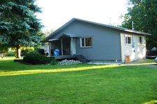South Canoe House for sale:  2 bedroom 960 sq.ft. (Listed 2017-07-14)
