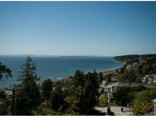 White Rock Townhouse for sale:  2 bedroom 2,588 sq.ft. (Listed 2013-05-09)