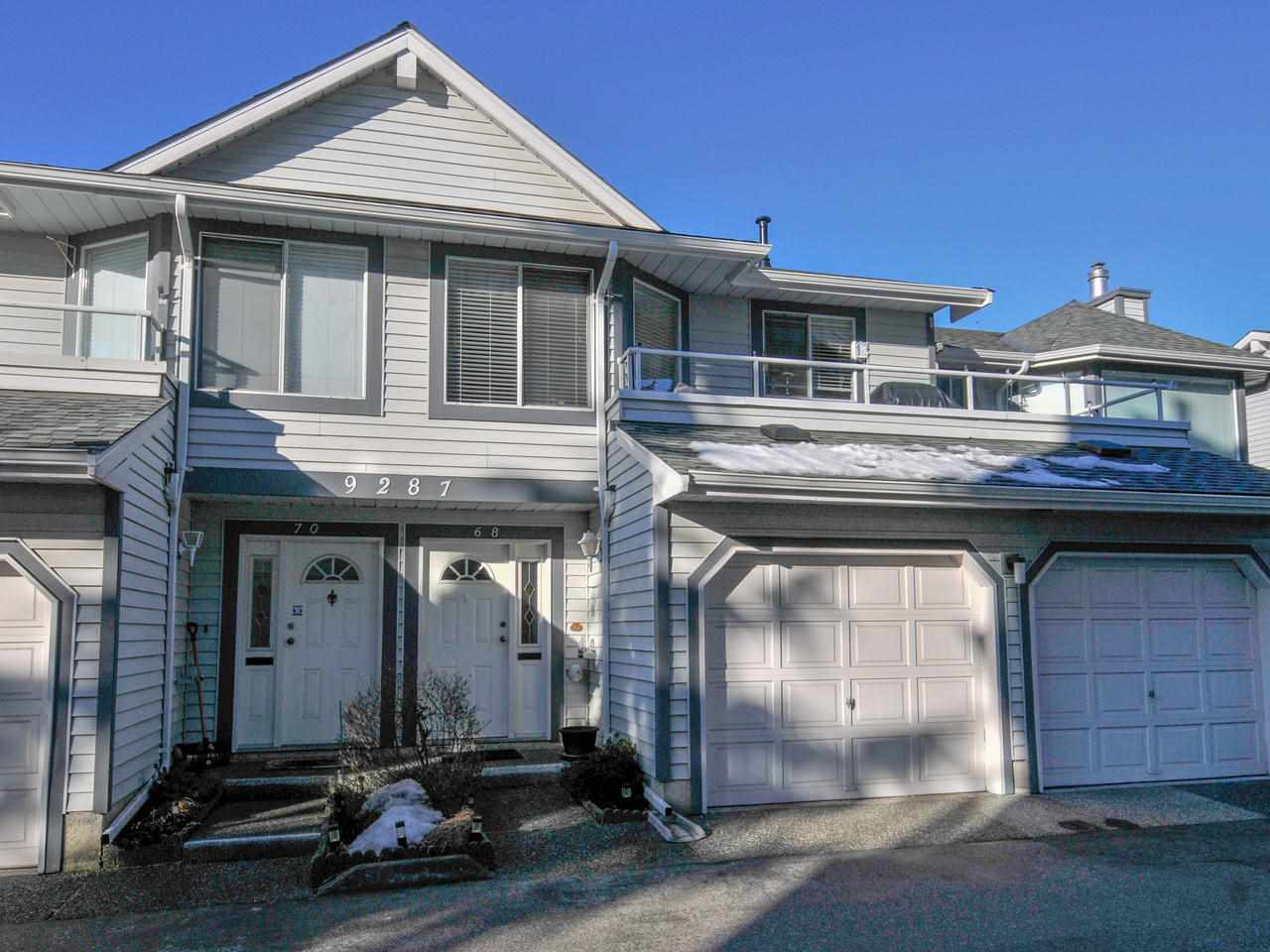 Queen Mary Park Surrey Townhouse for sale:  2 bedroom 1,515 sq.ft. (Listed 2019-02-28)