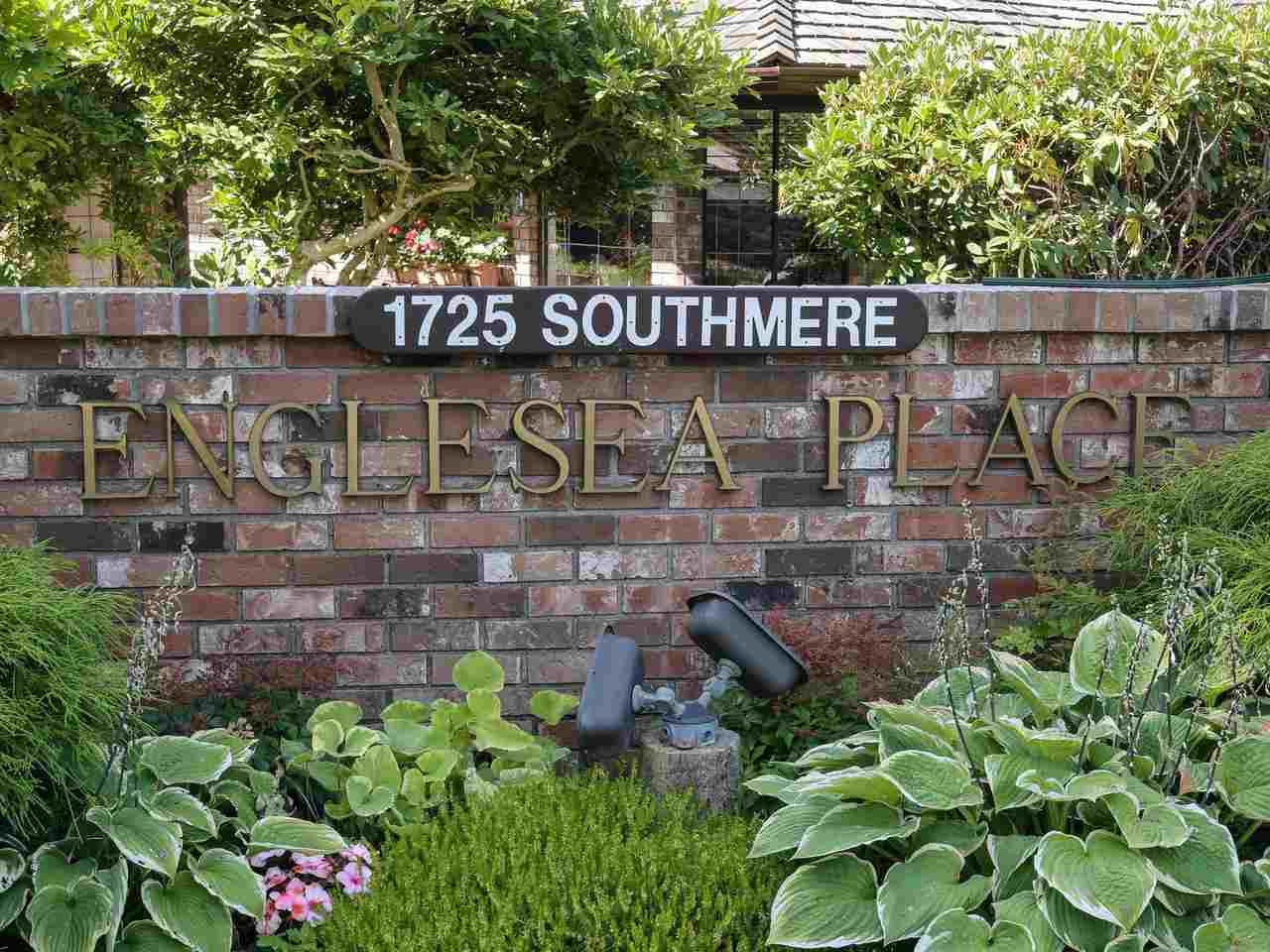 Sunnyside Park Surrey Townhouse for sale:  2 bedroom 2,176 sq.ft. (Listed 2019-08-19)
