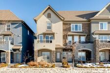 Douglasdale/Glen Row/Townhouse for sale:  2 bedroom 1,279.25 sq.ft. (Listed 2021-03-08)