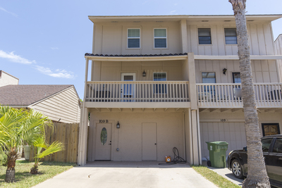 South Padre Island Townhouse for sale:  3 bedroom 2,314 sq.ft. (Listed 2017-08-30)